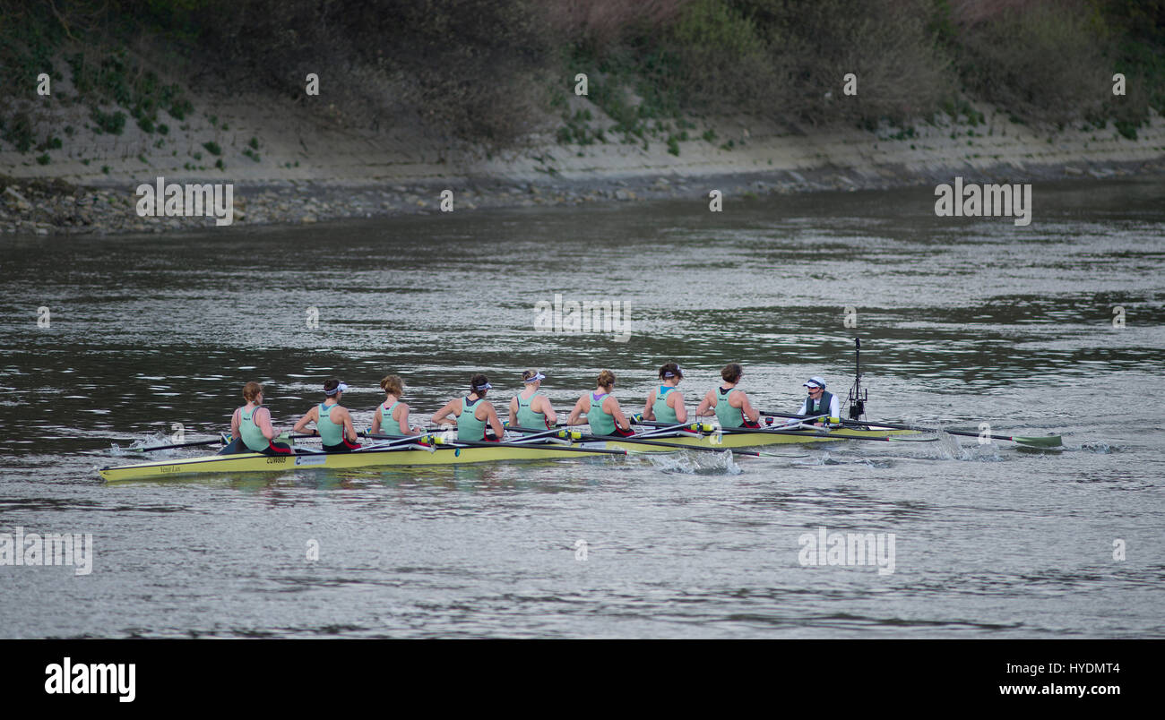 2nd April 2017. The 2017 Womens Blue Boat race approaches Chiswick Bridge, the 72nd Women's Boat Race. Credit: Malcolm Stock Photo