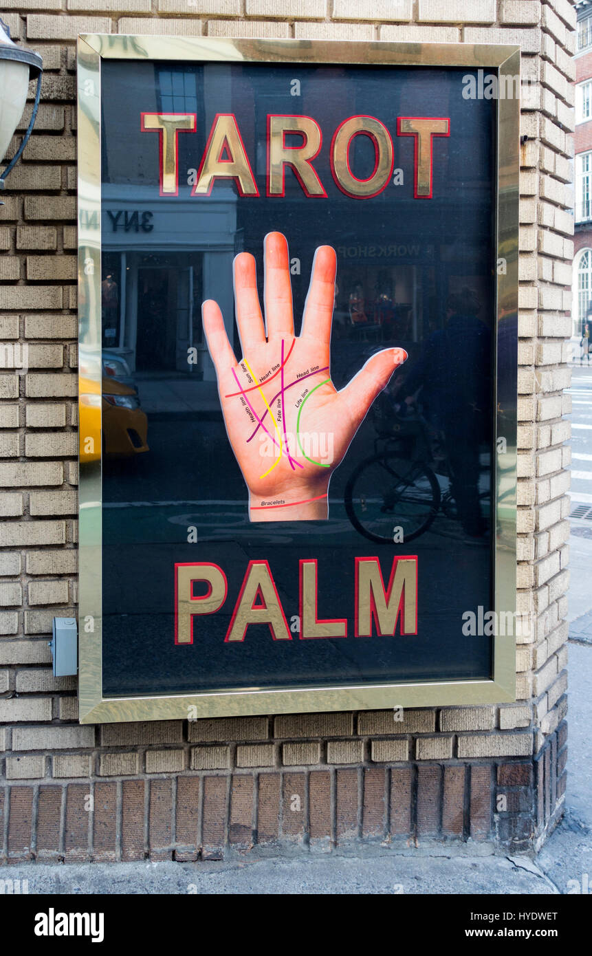 Tarot card and palm reading business in New York City - Stock Image
