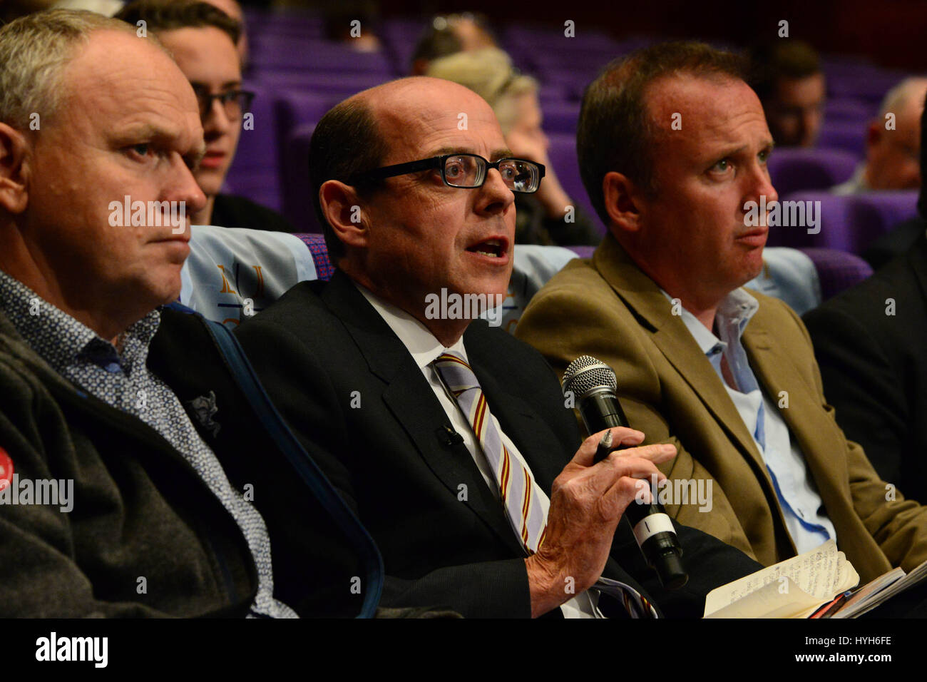 The BBC's Nick Robinson challenges Alex Salmond over comments by some of Scotland's financial institutions about Stock Photo