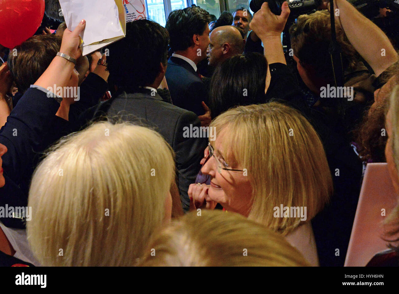 Shadow Scottish Secretary Margaret Curran (C) in the midst of a crowd of shoppers, supporters, and media surrounding - Stock Image