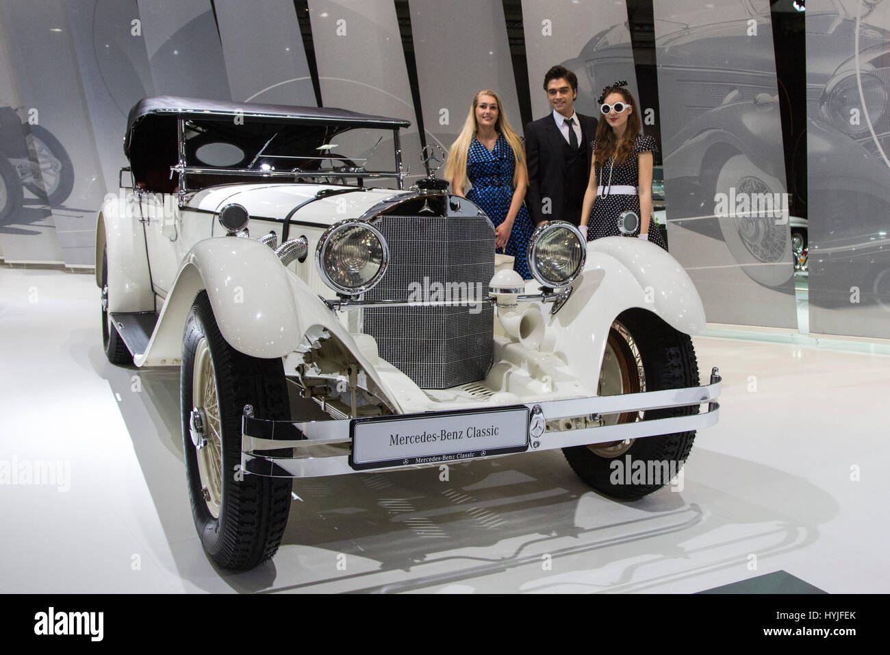 Essen, Germany. 5th Apr, 2017. A 1927 Mercedes-Benz Typ S, W 06. Press preview of the 29th Techno-Classica motor - Stock Image