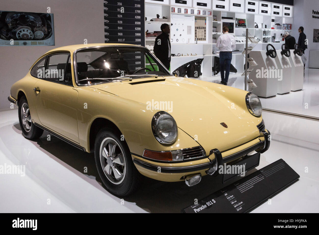 Essen, Germany. 5th Apr, 2017. 1967 Porsche 911 S. Press preview of the 29th Techno-Classica motor show in Essen, - Stock Image