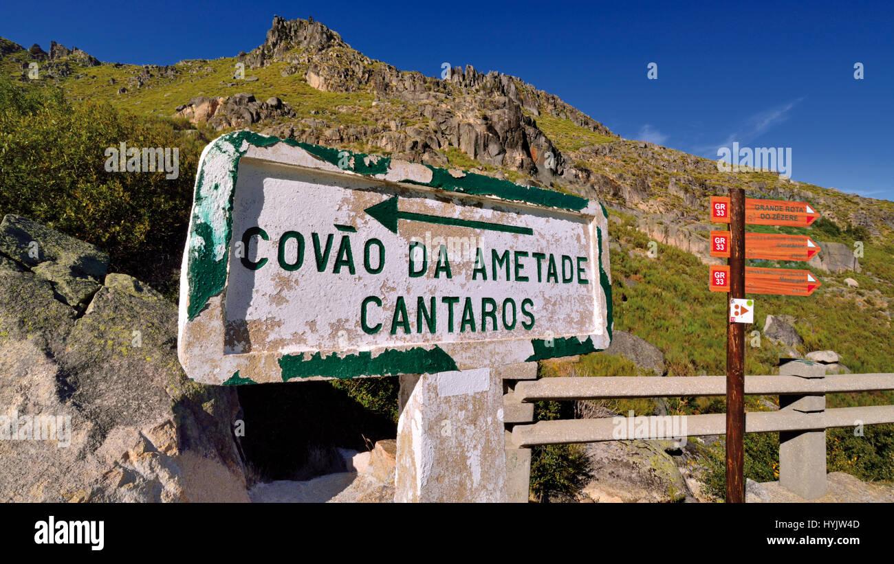 Portugal: Street signals in the mountains of Nature Park Serra da Estrela - Stock Image