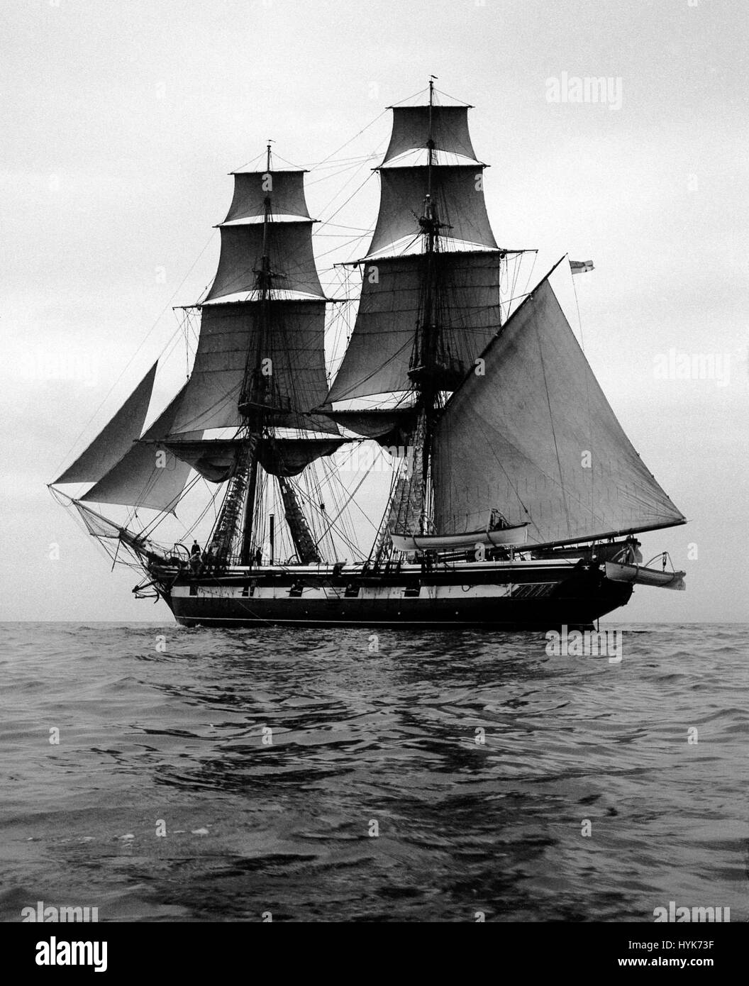 AJAXNETPHOTO.1900S. SOLENT, ENGLAND. - HMS MARTIN, BRIG, 503 TONS. ONE OF FIVE SAILING VESSELS USED BY THE ROYAL - Stock Image