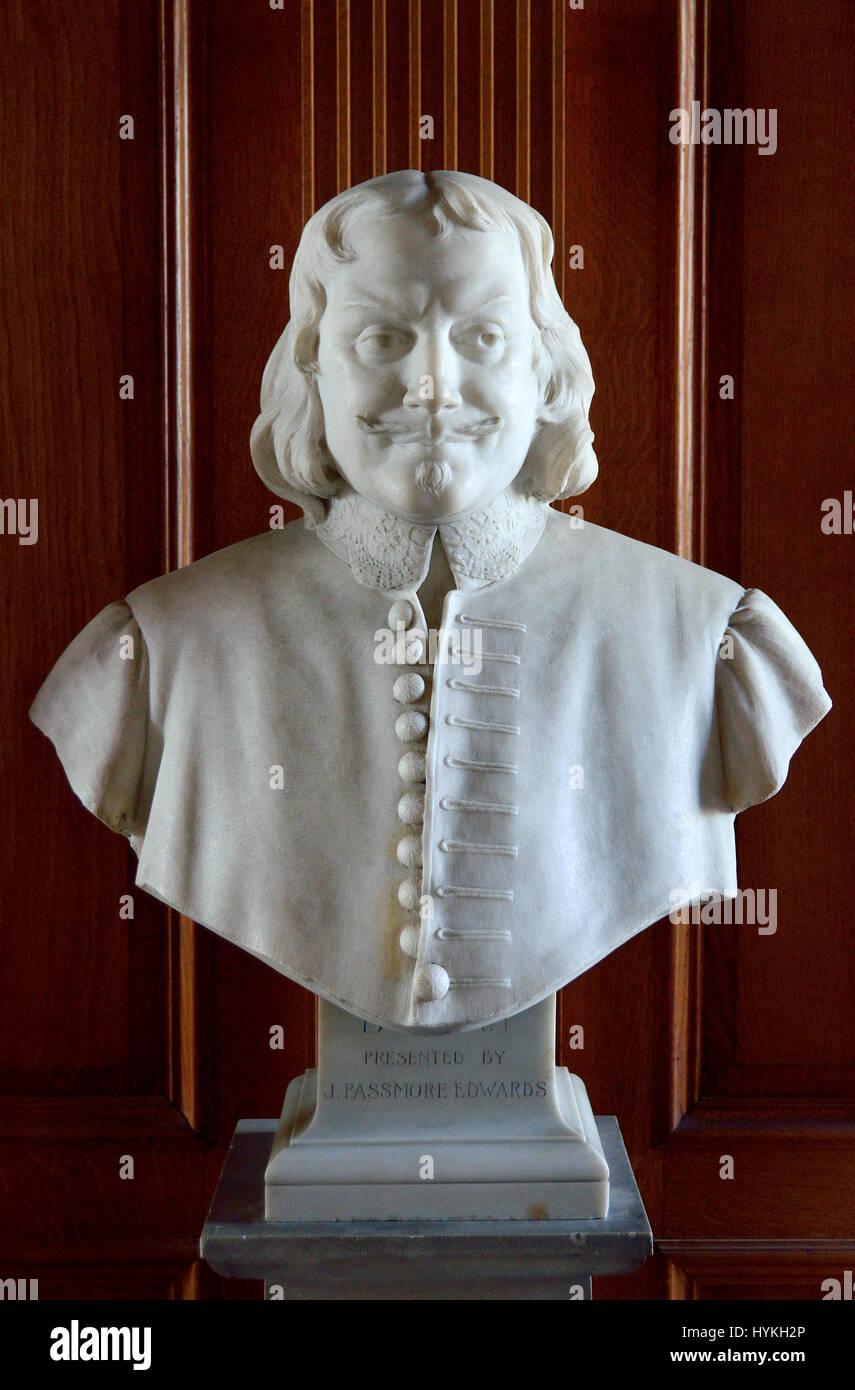 London, England, UK. Church of St Giles Without Cripplegate, the Barbican. Bust of John Bunyan (1628 – 1688) English - Stock Image
