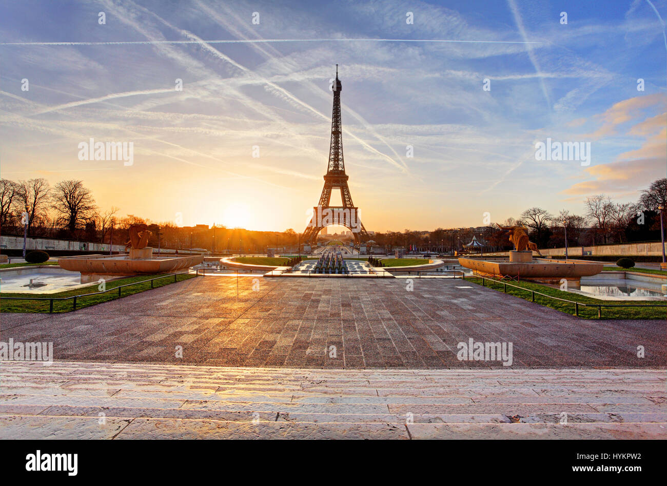 Sunrise in Paris, with the Eiffel Tower - Stock Image