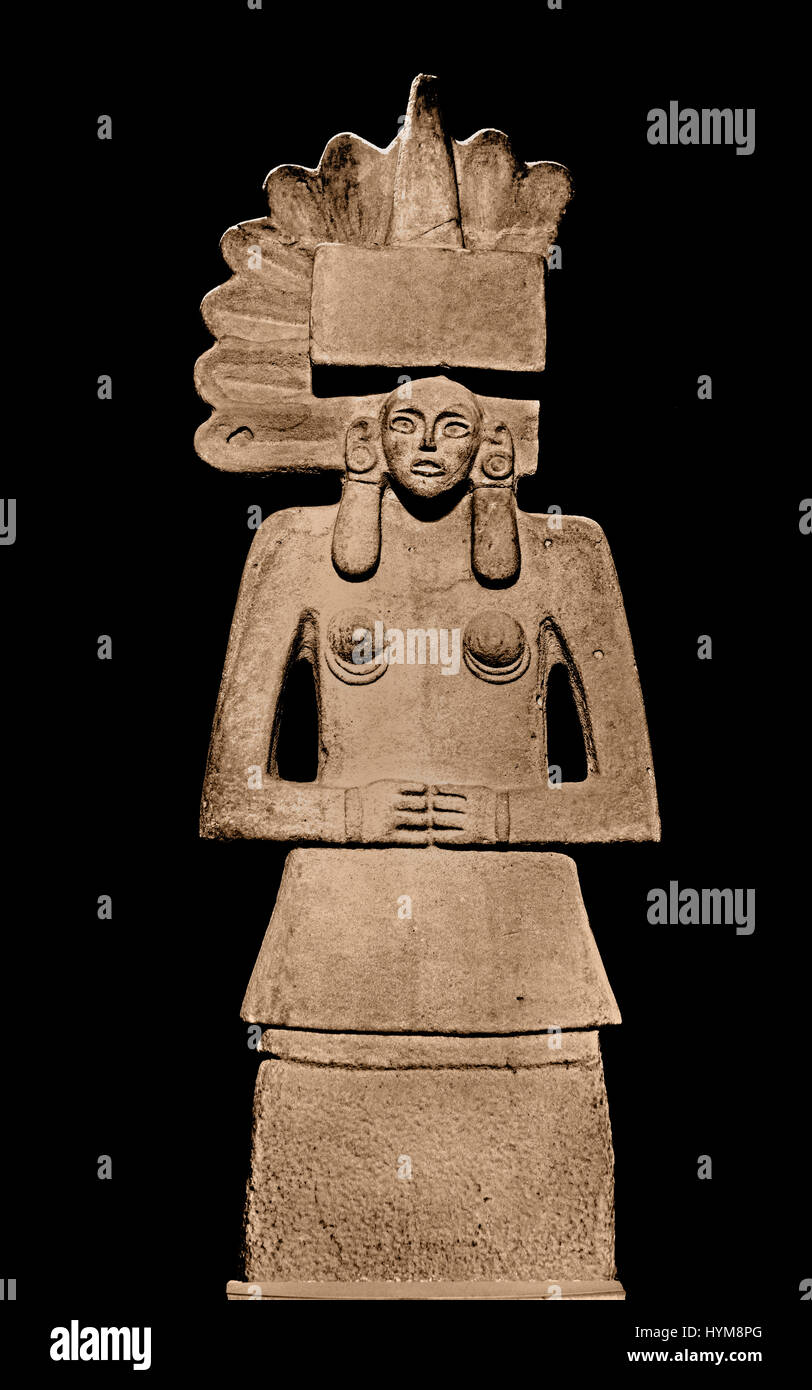 Female figure made of sandstone depicting Tlazolteotl - Huaxtec 900-1450 Mexico ( The Mayans - Maya civilization - Stock Image