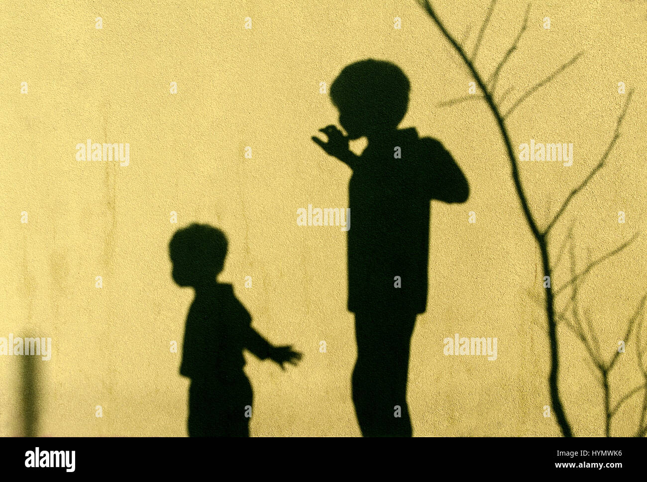 Shadows of children playing on the wall Stock Photo: 137527466 - Alamy
