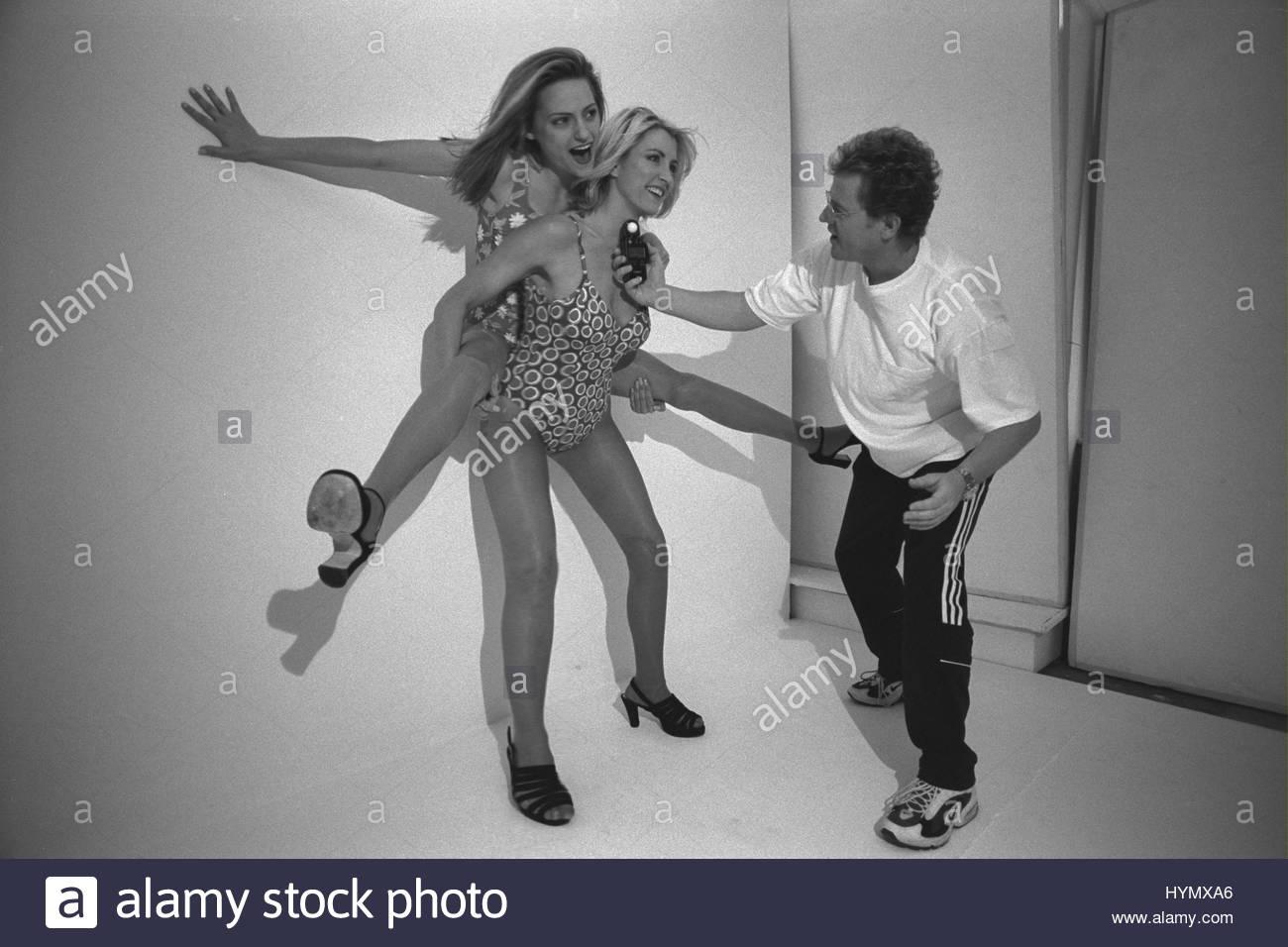 Robyn Douglass,Leelee Sobieski Adult images Ma?g,Alanna Masterson