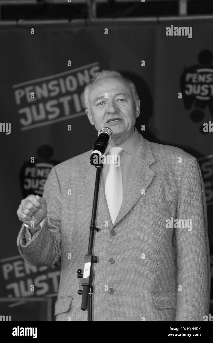 Ken Livingstone Labour MP British politician speaking at a public workers demonstration teachers strike on 2011 - Stock Image
