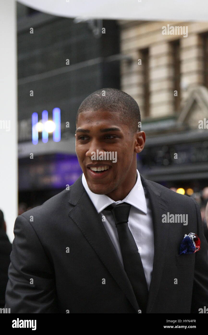 ANTHONY JOSHUA IN LEICESTER SQUARE LONDON. - Stock Image