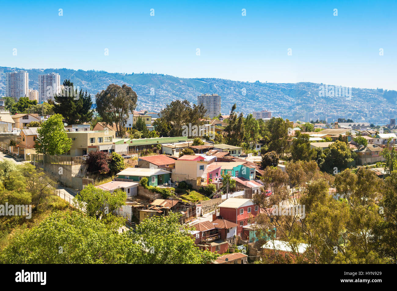 Small houses on the hill in Vina del Mar, Chile - Stock Image