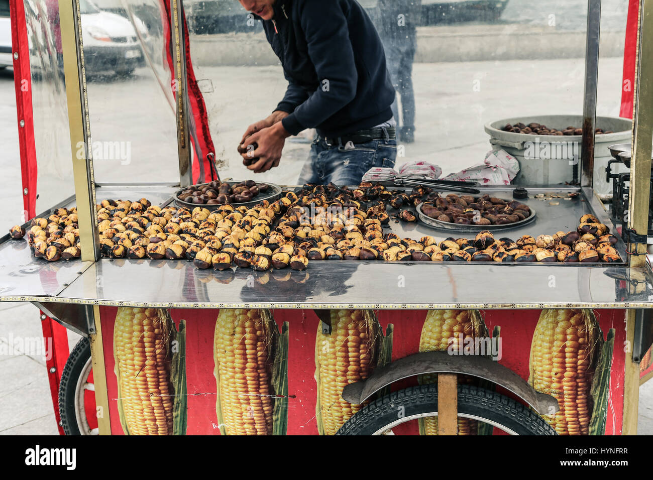 Roasted chestnut seller in Istanbul, Turkey - Stock Image