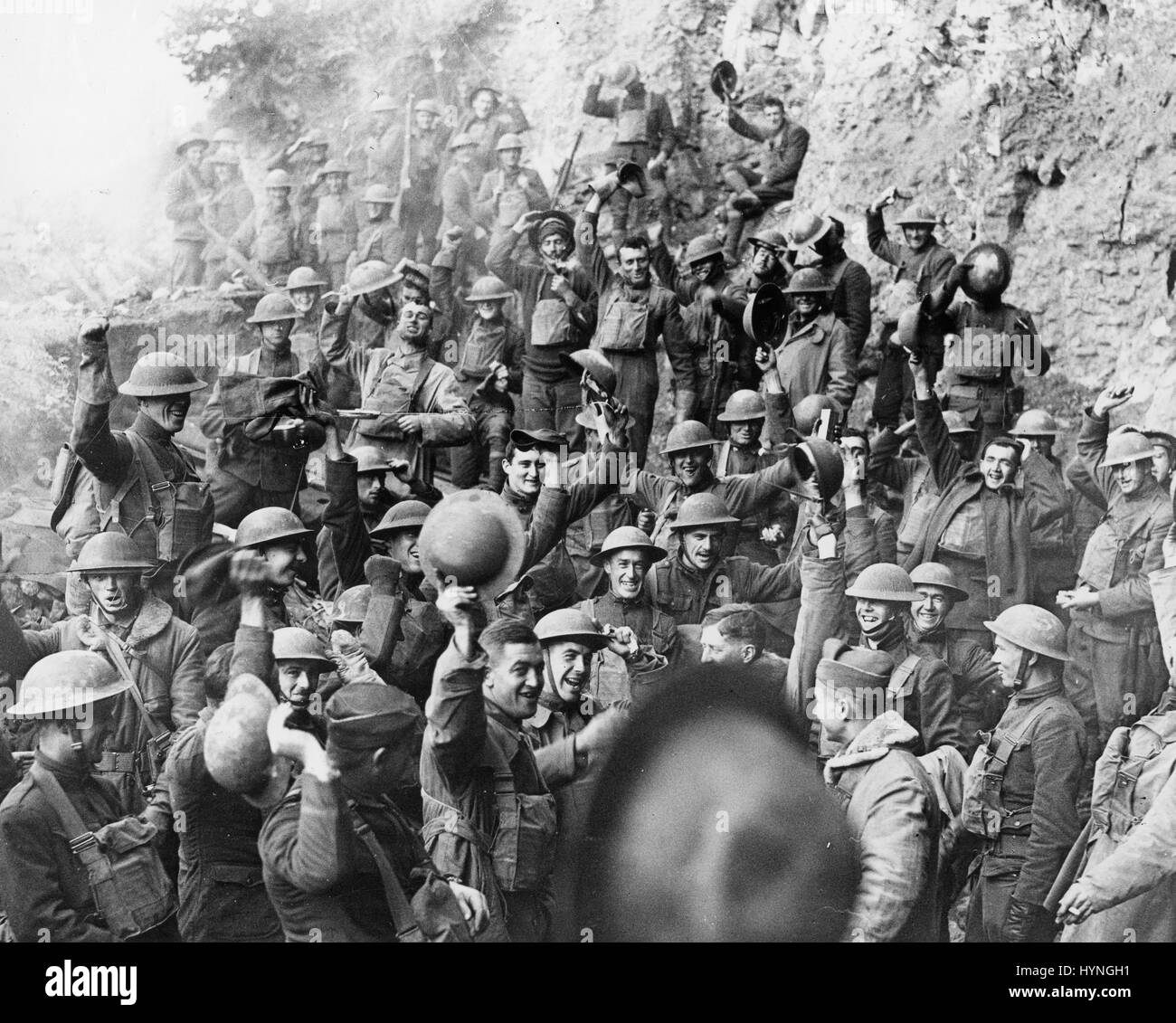 News of the finish of World War I is joyfully received by the men of the US 64th Regt. Inf, 7th Div. Min de Jaulny, Stock Photo