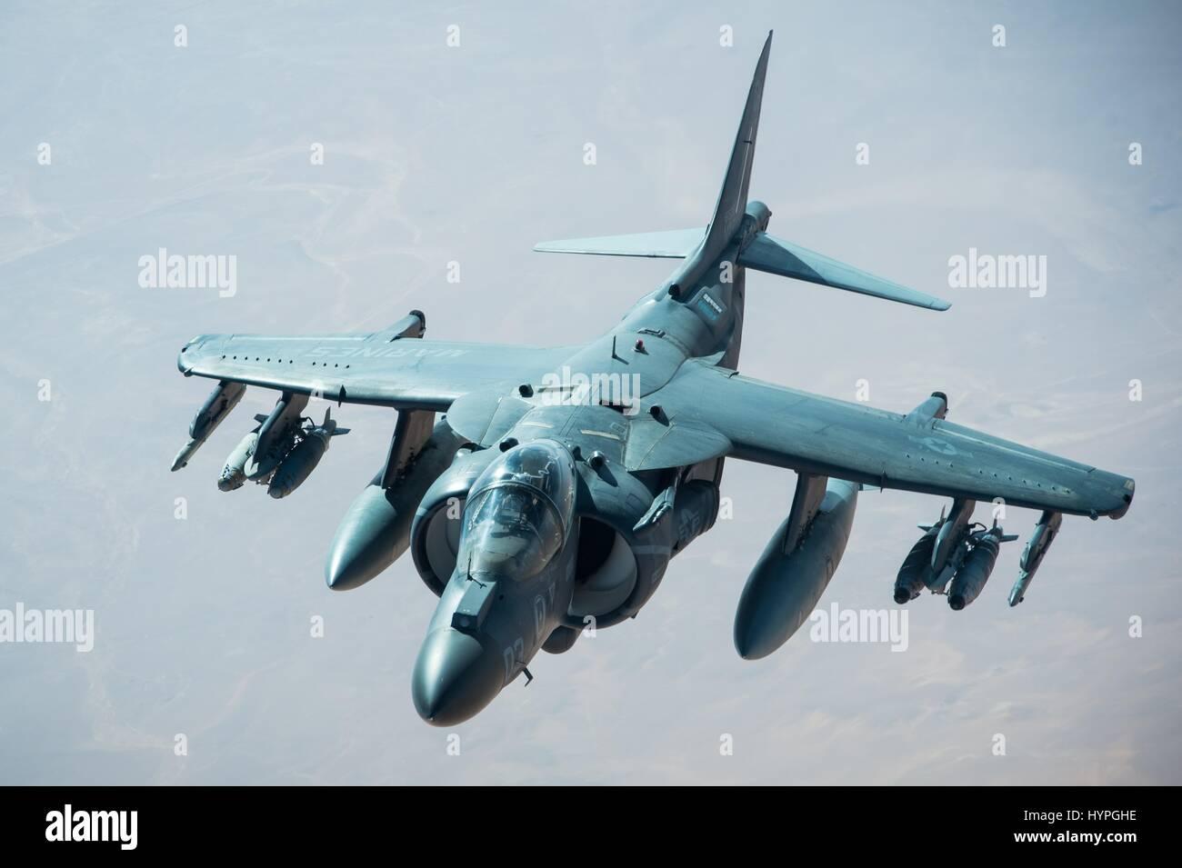A USMC AV-8B Harrier II attack aircraft in flight during Operation Inherent Resolve February 22, 2017 over Iraq. - Stock Image