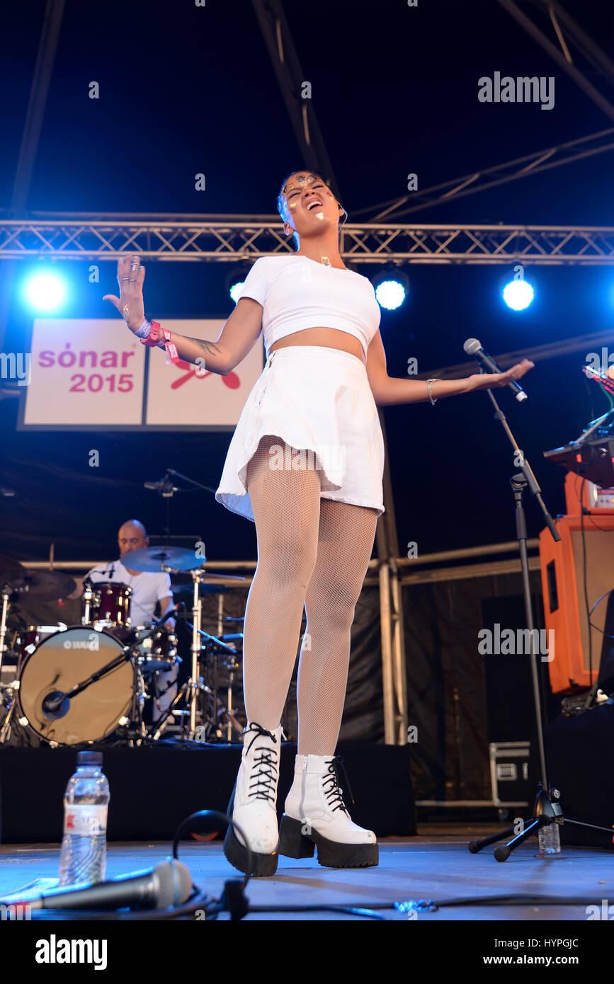 BARCELONA - JUN 20: Bomba Estereo (electro vacilon or cumbia band) in concert at Sonar Festival on June 20, 2015 - Stock Image