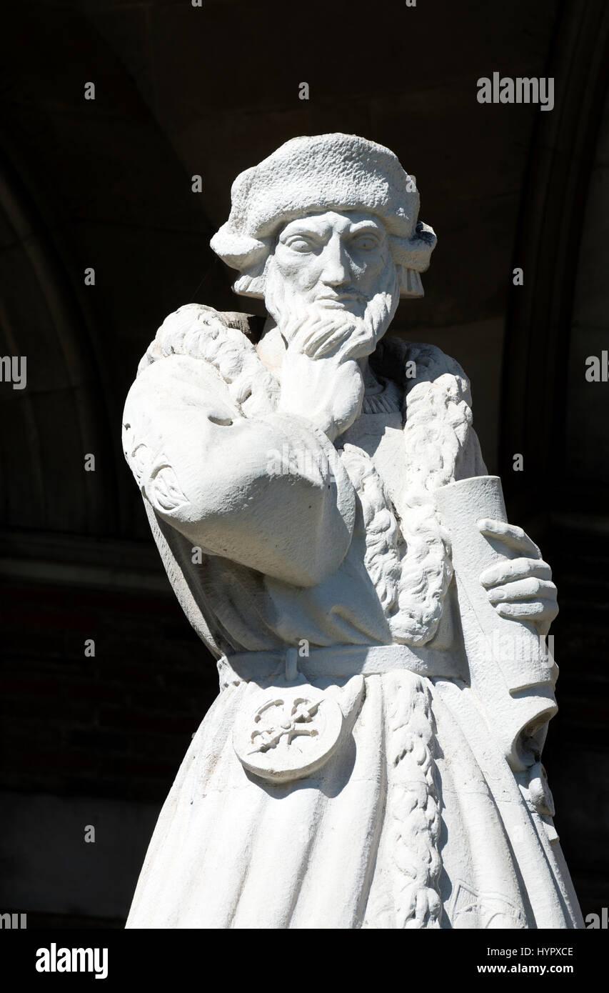 The Elizabethan Merchant Venturer statue outside the Council House, Bristol, UK - Stock Image
