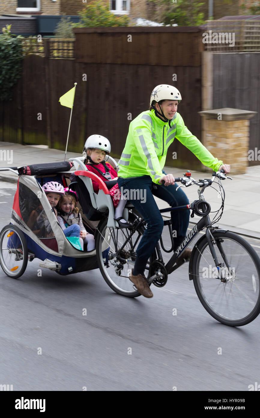 Tag Along Bike Trailer Stock Photos & Tag Along Bike Trailer
