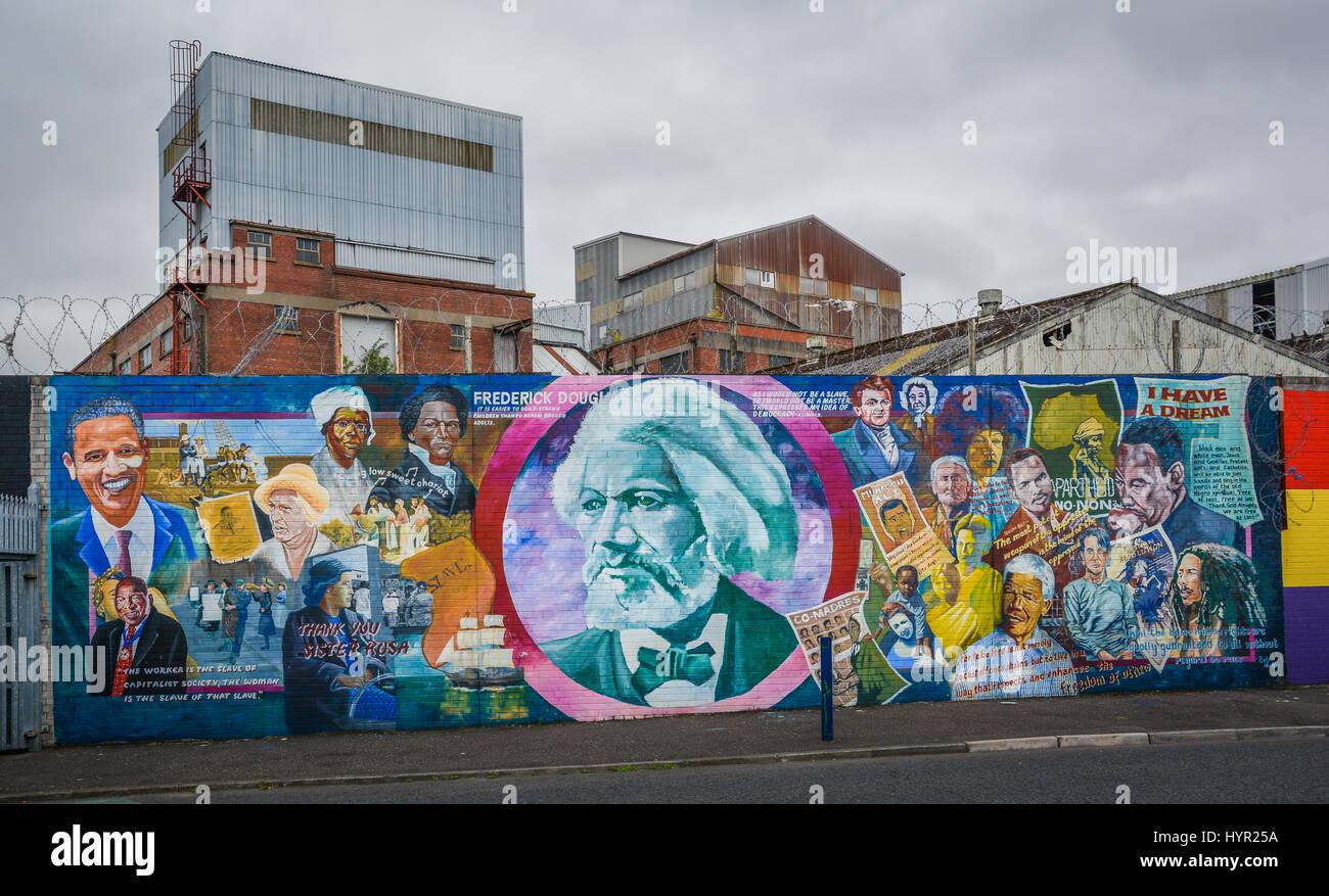 Murals in Belfast near Falls and Shankill Road, Northern Ireland - Stock Image