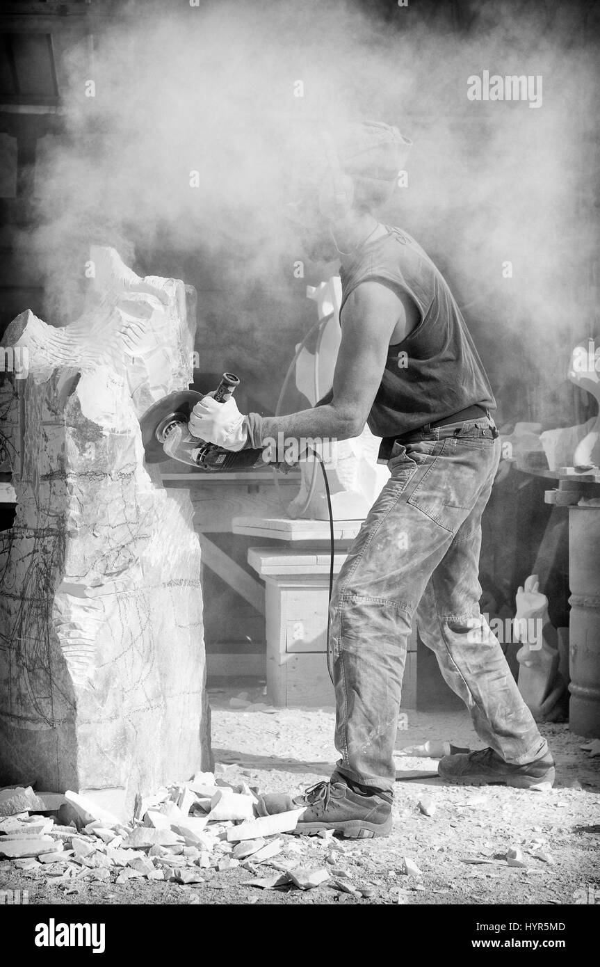 Making a sculpture in Pietrasanta (Italy) - Stock Image
