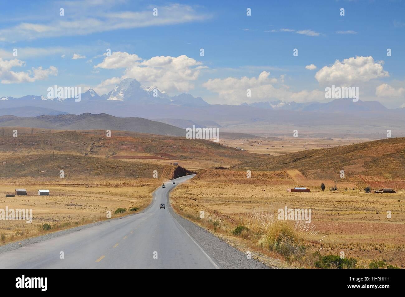 Bolivia, Cordillera Real from the Road to La Paz - Stock Image