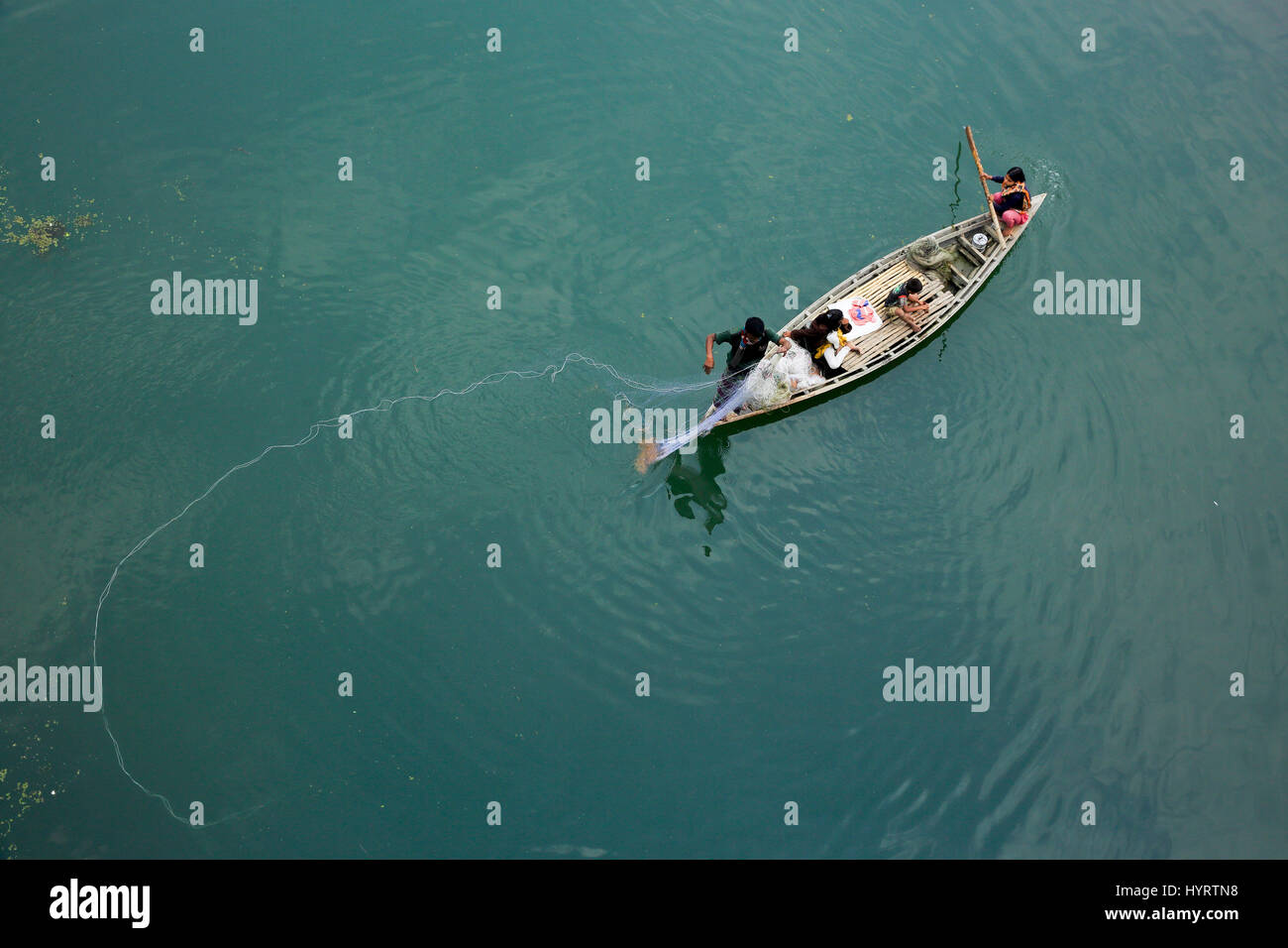 Fishermen fishing on the Bangali River, Bogra, Bangladesh. - Stock Image
