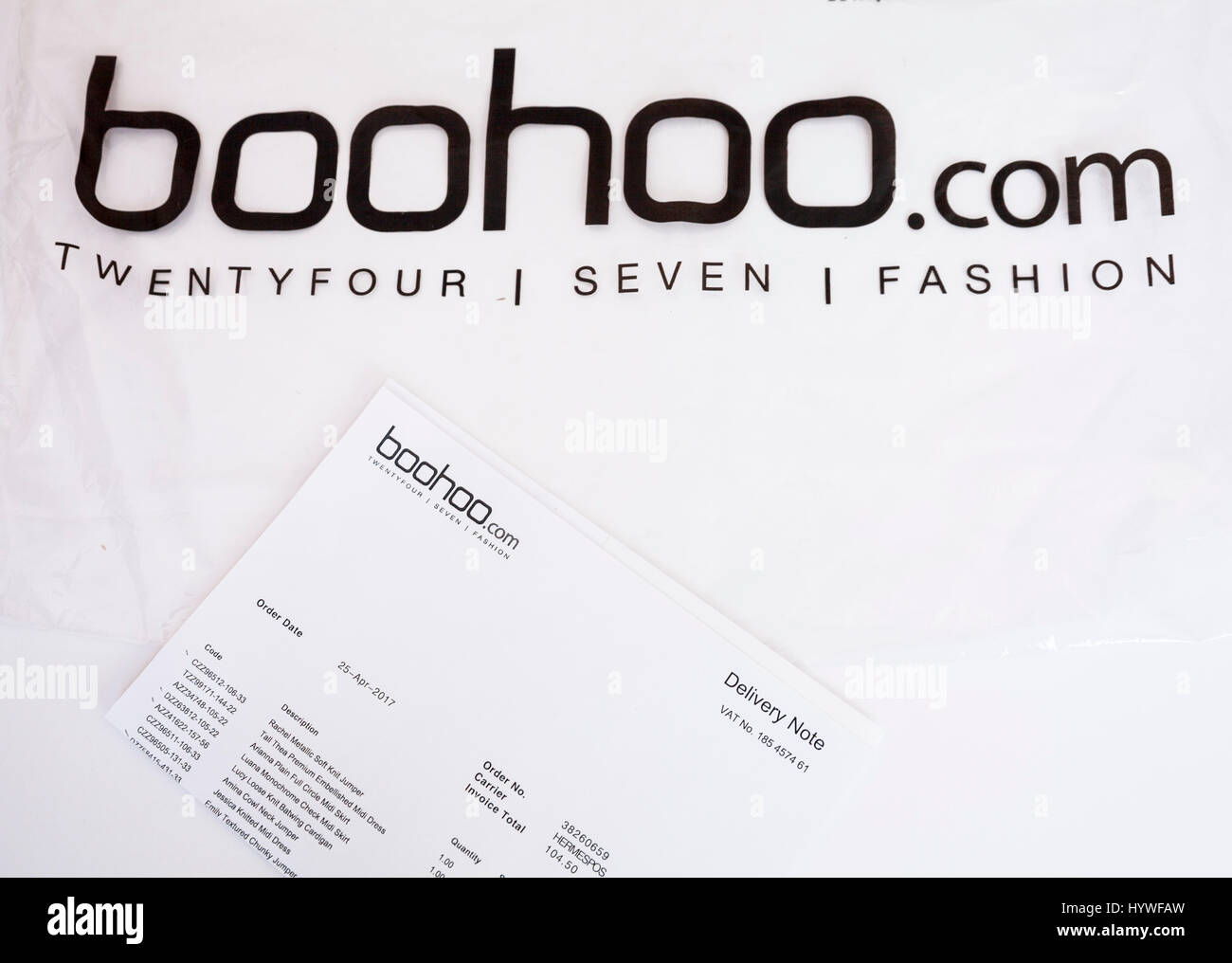 2416d49c49e Boohoo clothing bag and delvery note Stock Photo: 137629153 - Alamy