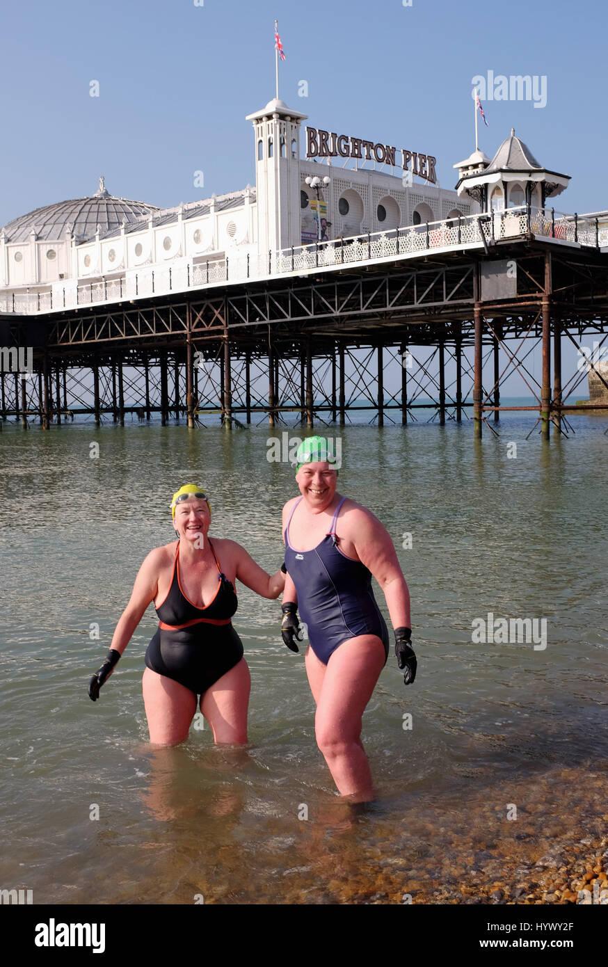 Brighton, UK. 7th Apr, 2017. Ladies from Brighton Swimming Club enjoy the beautiful sunshine early this morning - Stock Image