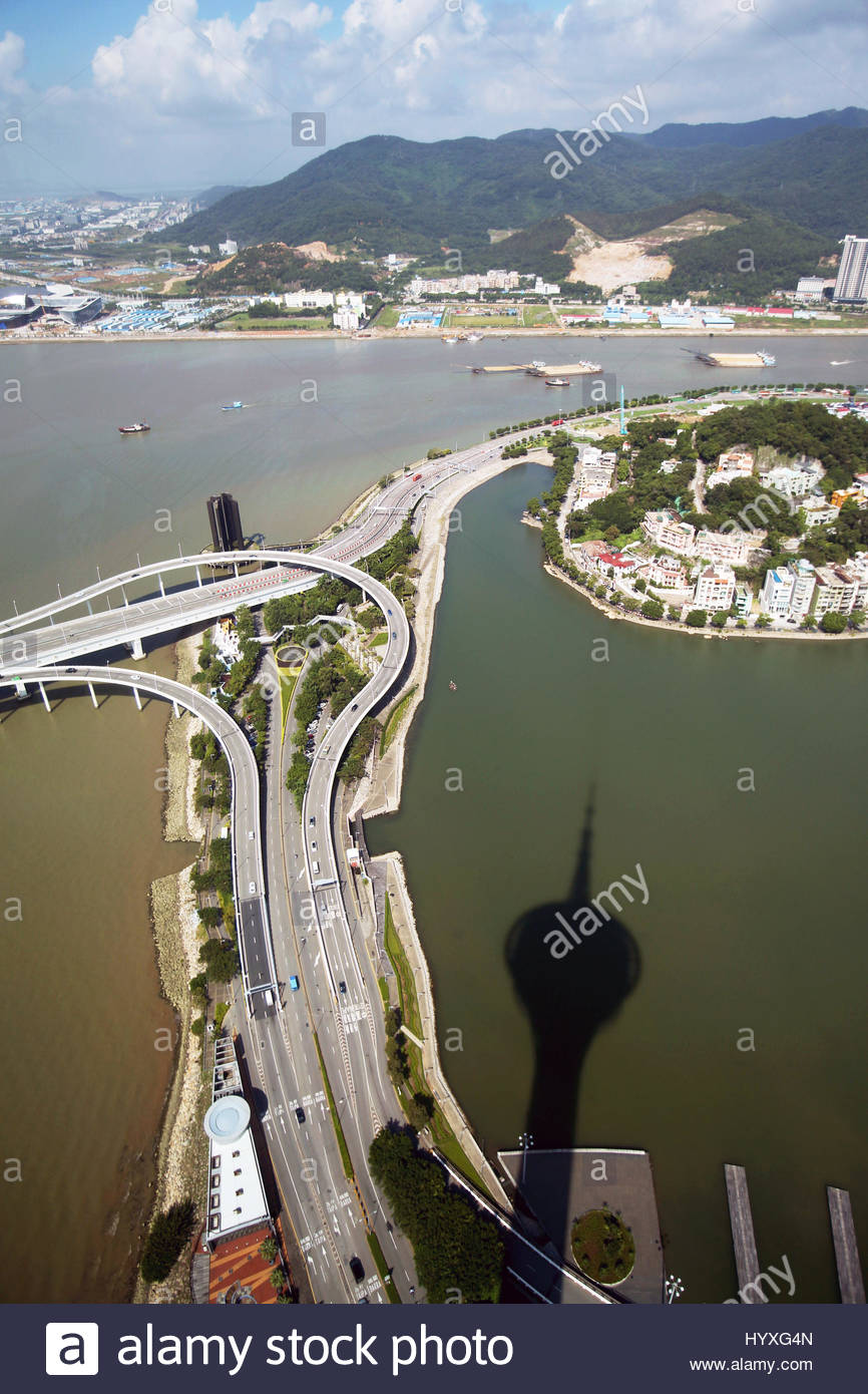 Roadways and bridges near to the Pearl River delta. - Stock Image