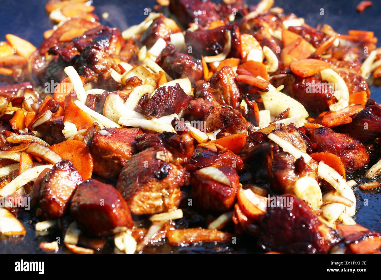 Meat with vegetables in a cauldron. Recipe. Uzbek cuisine 14