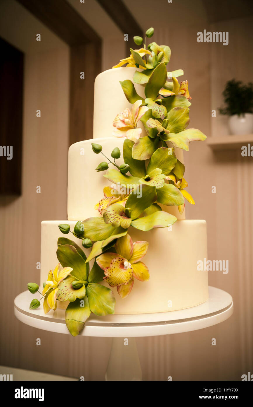 Wedding cake with orchids marzipan, close up Stock Photo: 137666758 ...