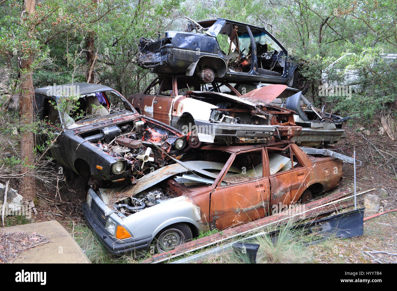 DERWENT VALLEY, AUSTRALIA: LIKE A scene from the post-apocalyptic world in Mad Max these rusting vehicles have been - Stock Image