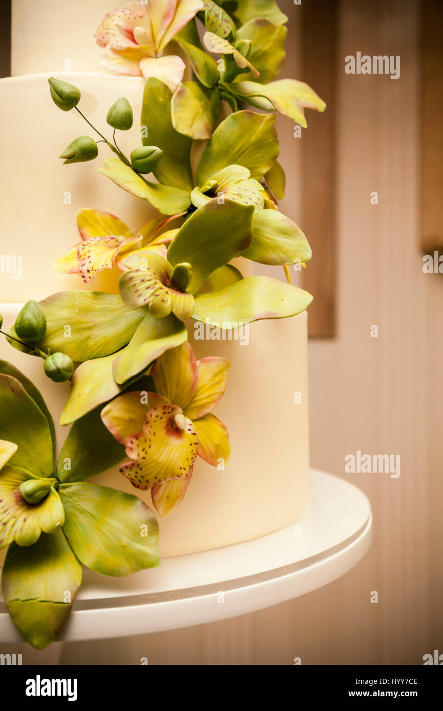 Wedding cake with orchids marzipan, close up Stock Photo: 137666830 ...