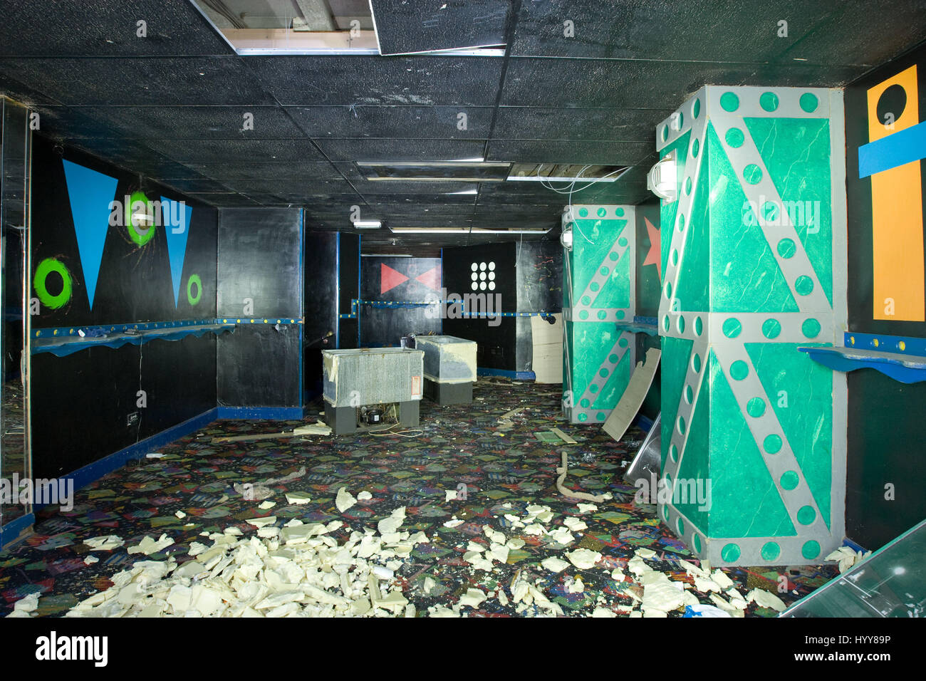 Crumbling Floor Stock Photos & Crumbling Floor Stock Images - Alamy