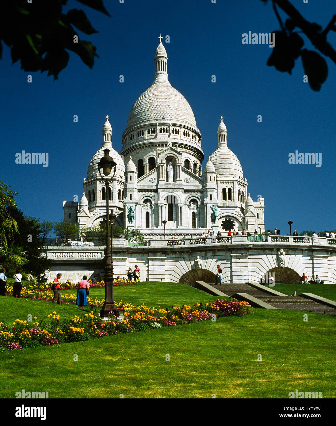 The Basilique du Sacré-Cœur ('Basilica of the Sacred Heart'). Montmartre, Paris, France 2013. - Stock Image