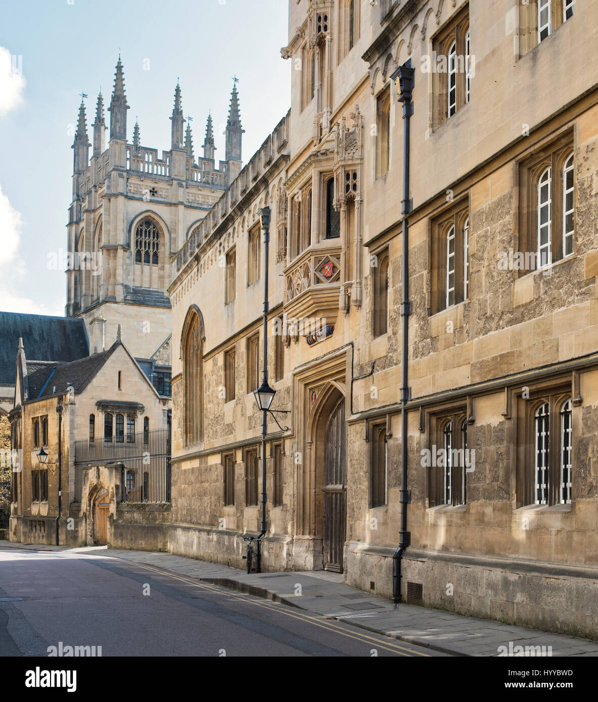 Merton Street showing Corpus Christi College and Merton college Chapel tower. Oxford, Oxfordshire, UK - Stock Image