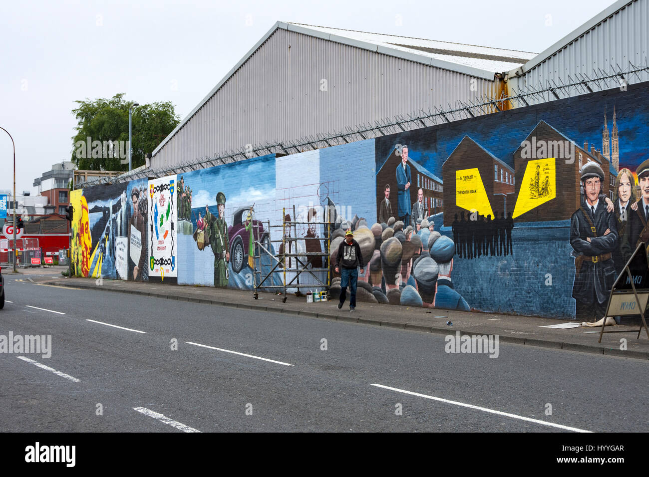 Republican wall mural on the Falls Road, Belfast, County Antrim, Northern Ireland, UK - Stock Image