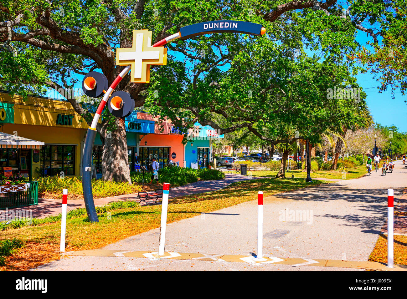 Living In Dunedin Fl : The Fred Marquis Pinellas Trail in downtown Dunedin ...