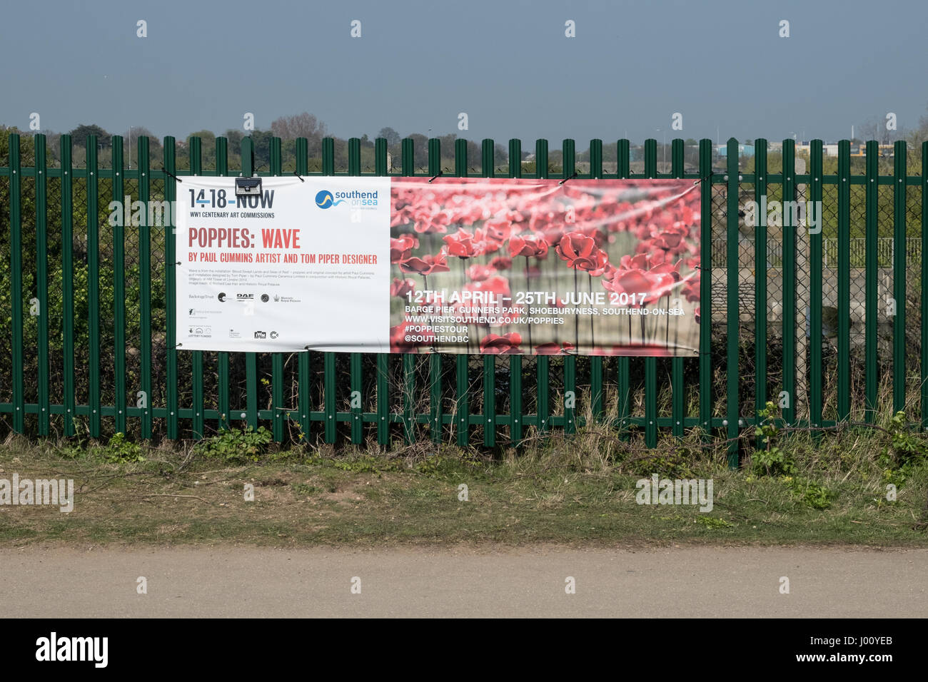 Shoebury barge pier, Essex, UK. 8th April, 2017. The 14-18 NOW Poppies: Wave sculpture by artist Paul Cummins and - Stock Image