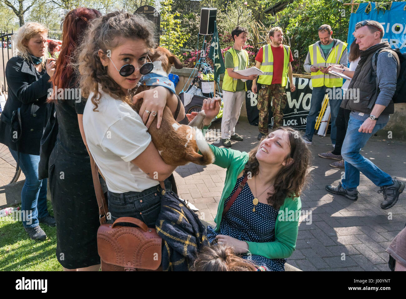 London, UK. 8th April, 2017. Boat dwellers hold a rally before marching to Downing St and DEFRA to demand the Canal - Stock Image