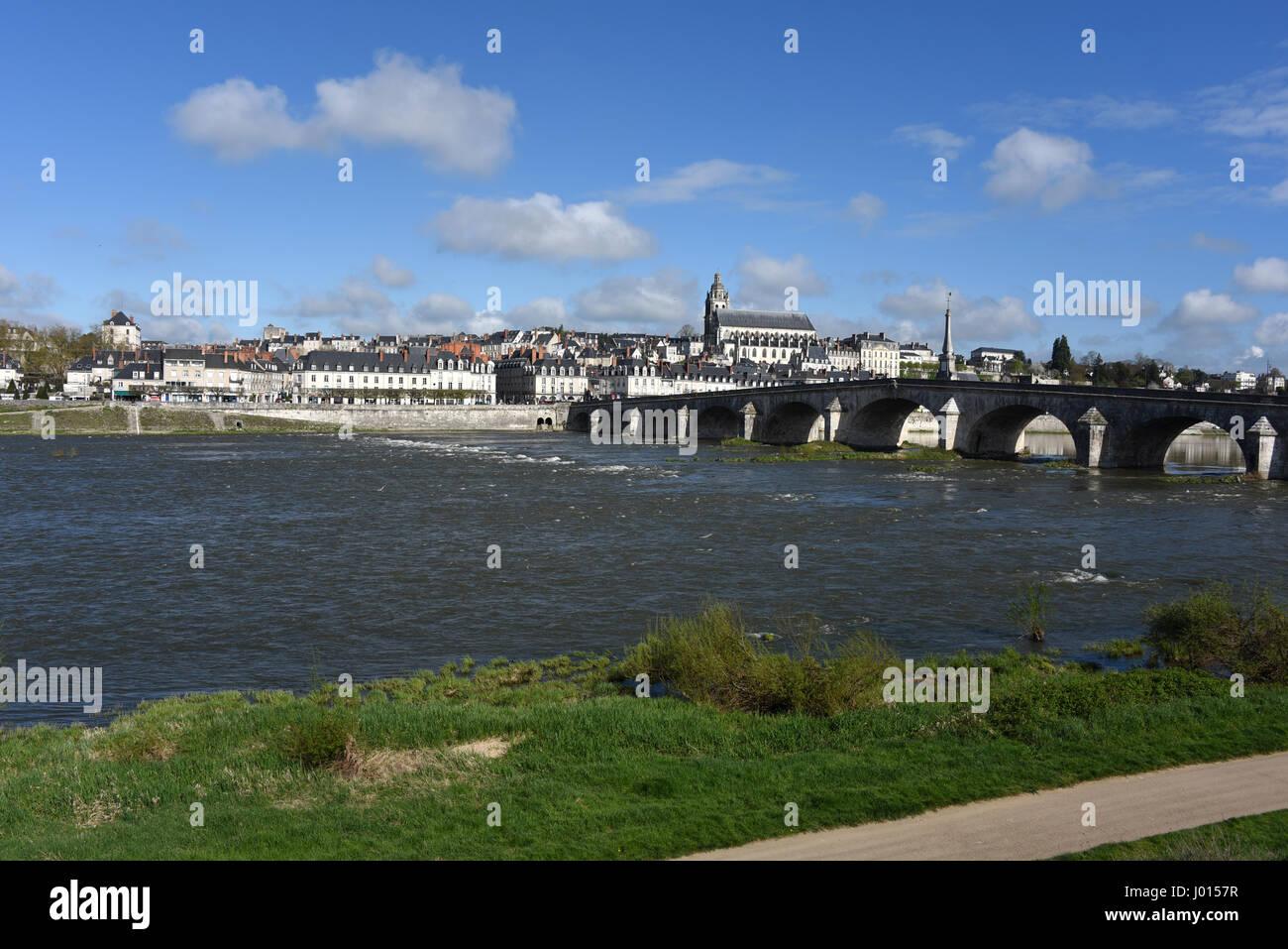 Cathedrale Saint-Louis, Pont Jacques Gabriel bridge, Blois, Loire river, Loire valley, Loir-et-Cher, Centre-Val - Stock Image