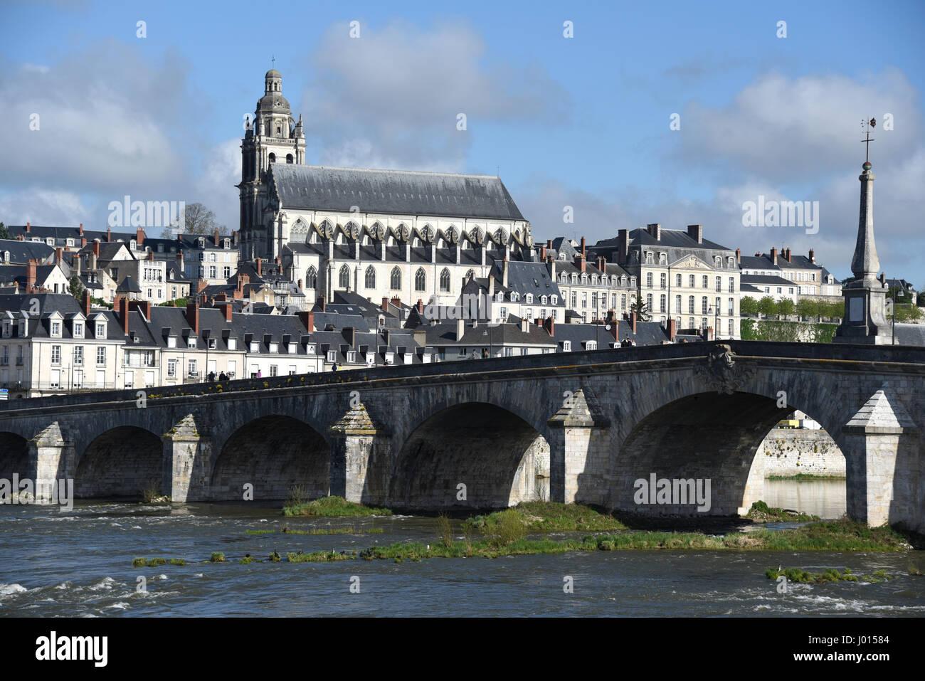 Cathedrale Saint-Louis, Pont Jacques Gabriel bridge, Blois, Loire river, Loire valley, Loir-et-Cher, Centre-Val Stock Photo