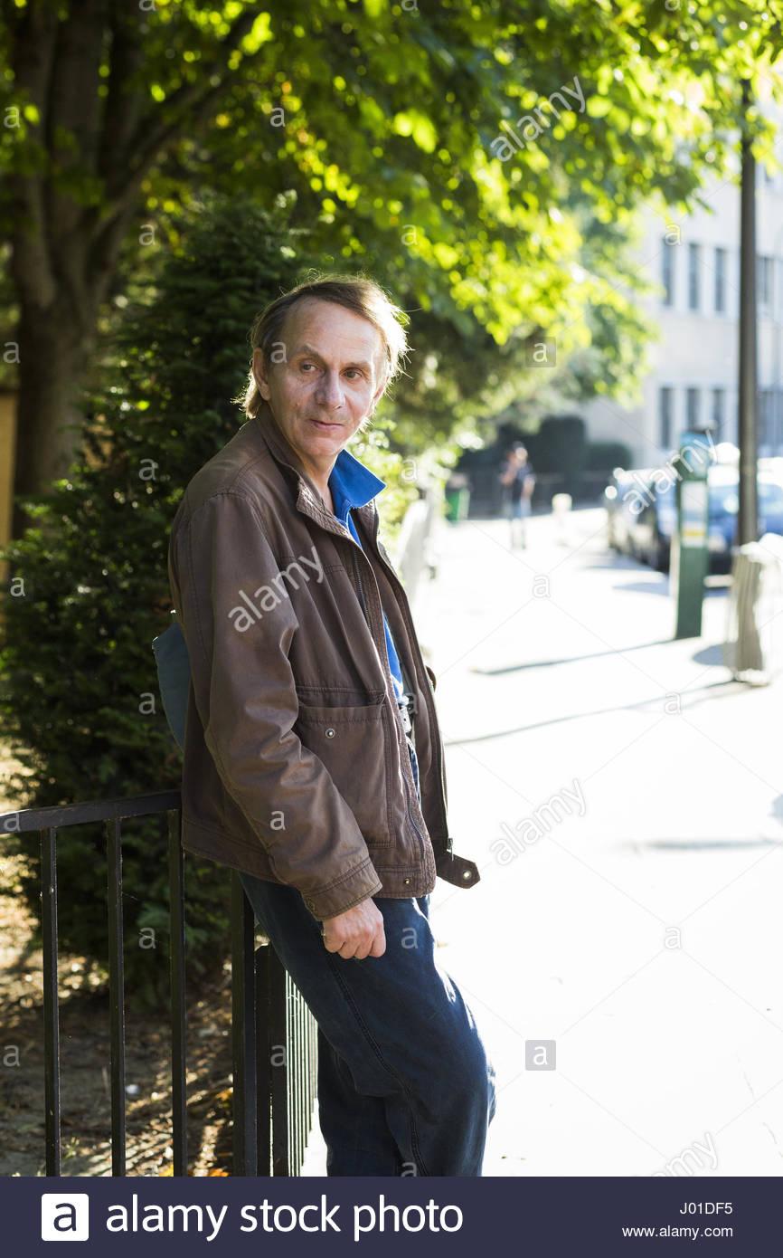 Michel HOUELLEBECQ dans la rue, en exterieur, Paris 13e 10/07/2015 ©Philippe MATSAS/Opale - Stock Image
