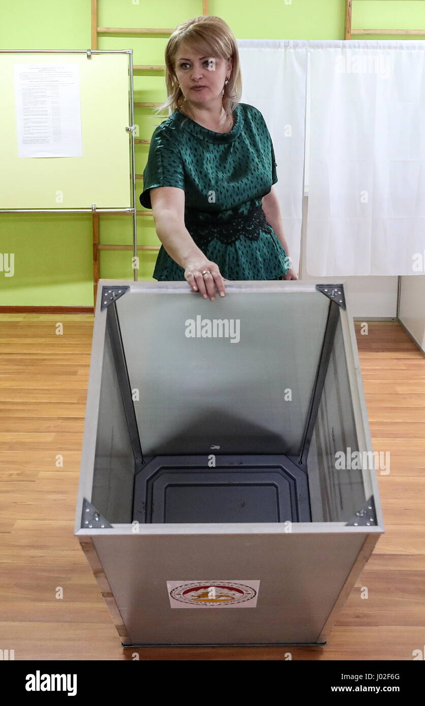 Tskhinval, South Ossetia. 9th Apr, 2017. Election Commission member shows an empty ballot box ahead of the 2017 - Stock Image