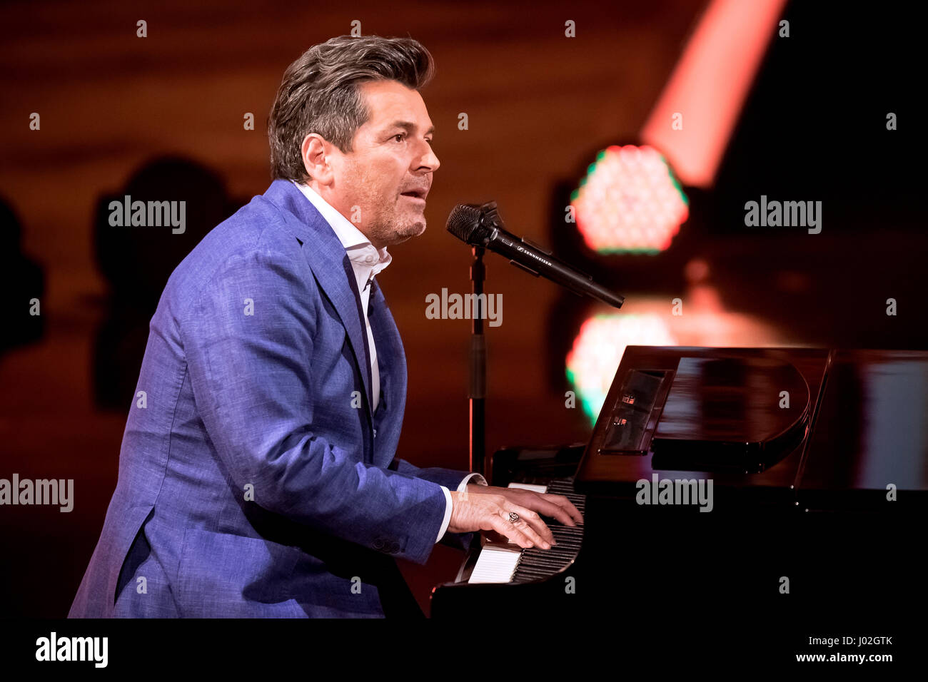 Magdeburg, Germany. 08th Apr, 2017. Singer Thomas Anders during the recording of the TV show 'Willkommen bei Carmen Stock Photo