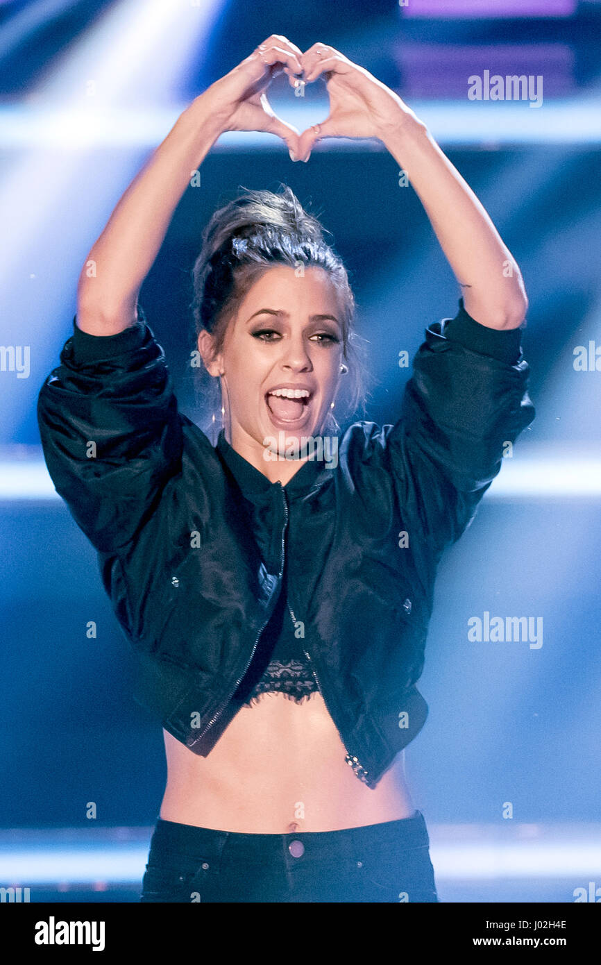 Magdeburg, Germany. 08th Apr, 2017. Singer Vanessa Mai during the recording of the TV show 'Willkommen bei Carmen Stock Photo