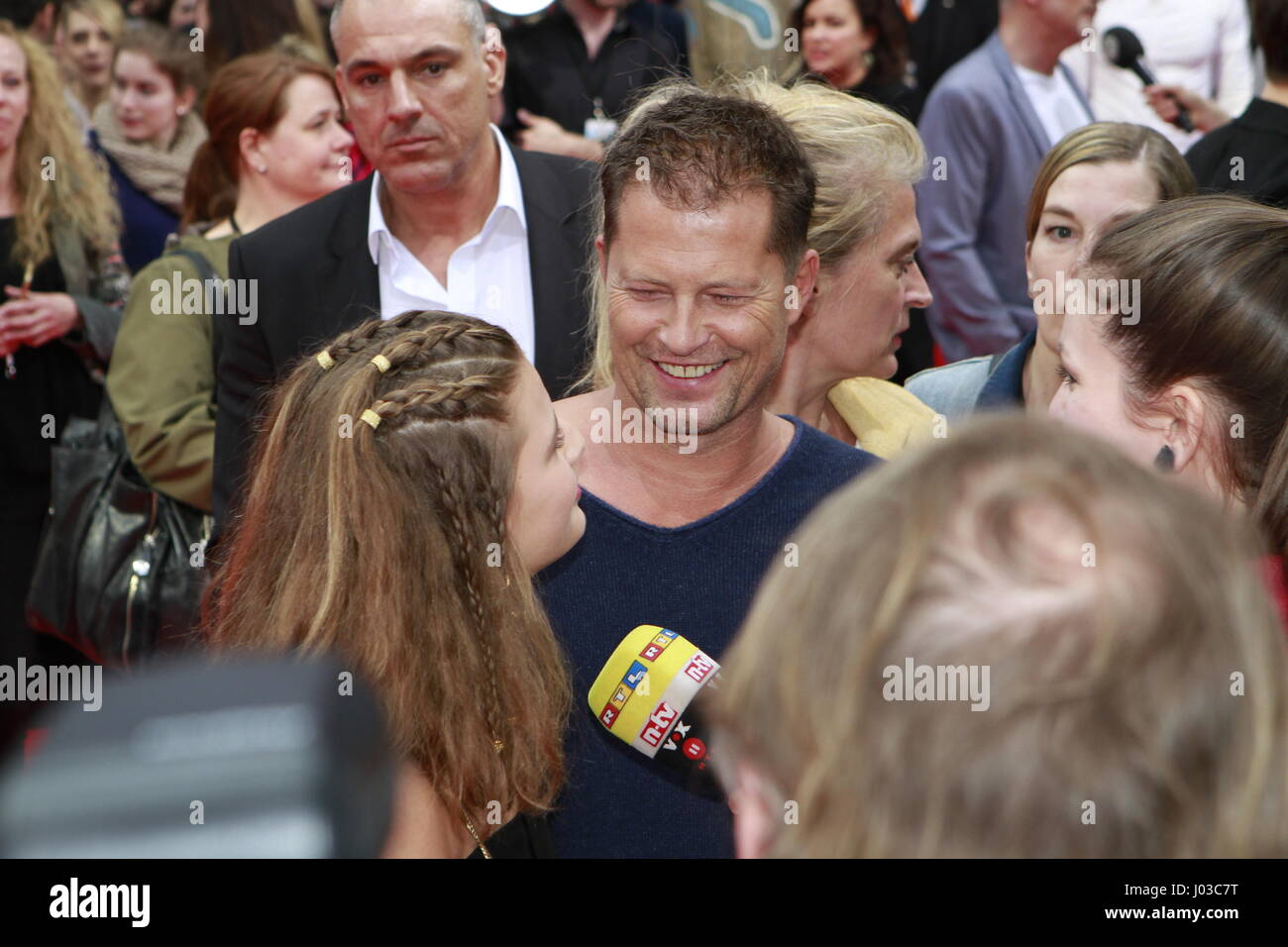 Berlin, Germany. 09th Apr, 2017. Actress Emma Schweiger and Actor Til Schweiger on the red carpet to the world premiere - Stock Image