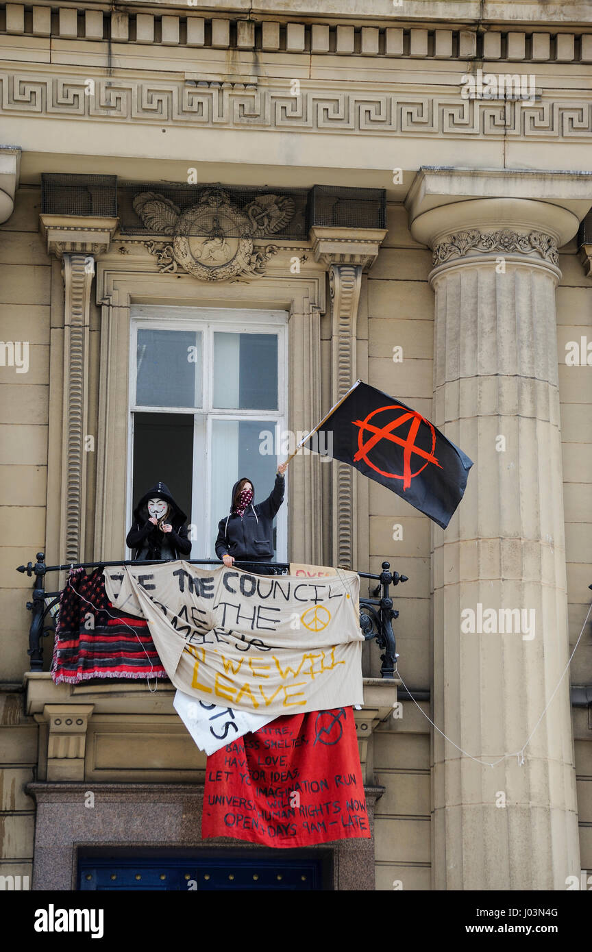 Love Activists take over vacant Bank of England building in Castle Street, Liverpool to house and feed homeless - Stock Image