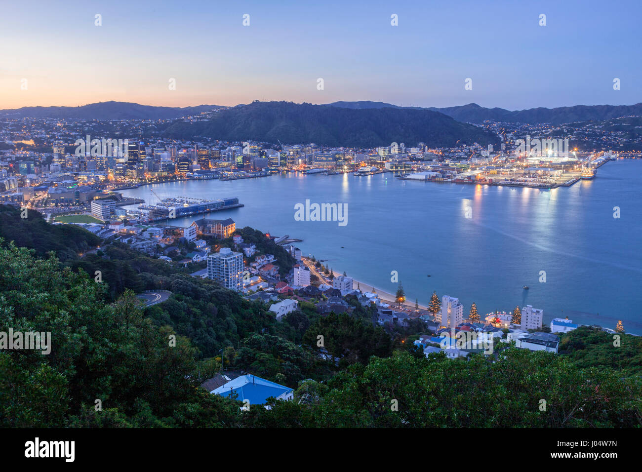 Wellington, New Zealand, from Mount Victoria, at twilight. - Stock Image
