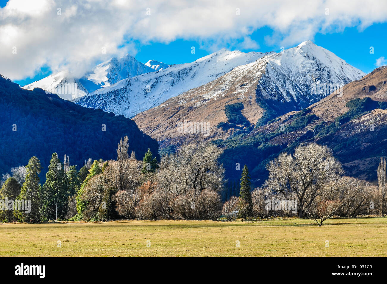 Snowy mountain peaks in Lord of the Rings film location, Glenorchy, New Zealand - Stock Image
